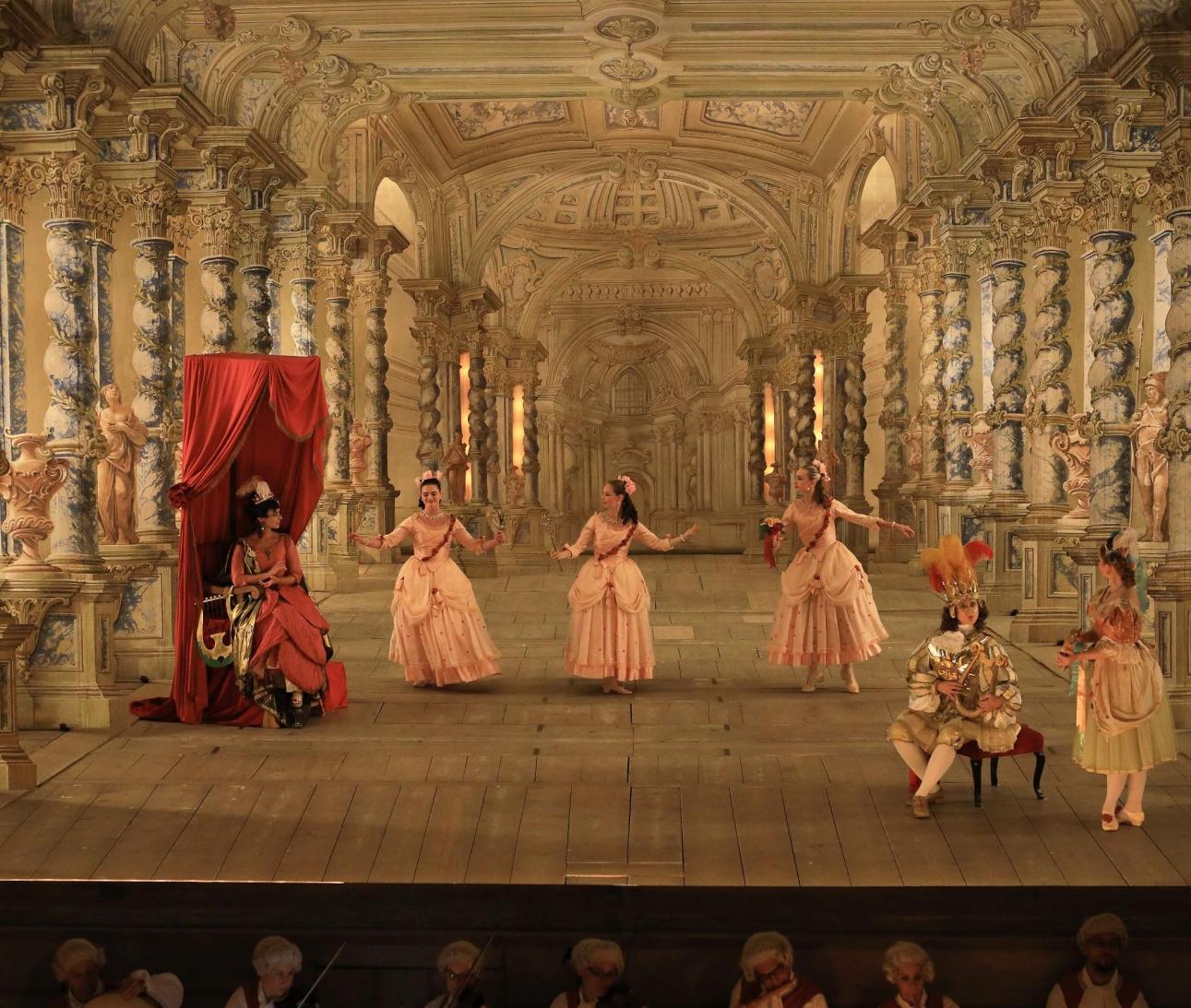 Mezinárodní hudební festival Č. Krumlov 2019 Musica Florea, Hartig Ensemble a sólisté Opera-balet v unikátním Barokním divadle 25.7.2019. Foto: Libor Sváček, box@fotosvacek.cz